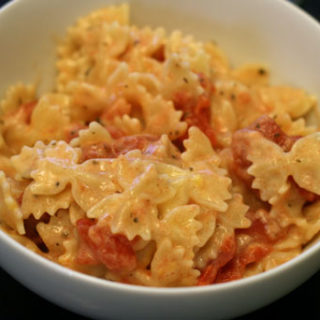 Macaroni and Cheese with Tomatoes