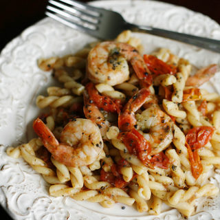 Shrimp, Basil and Tomato Pasta with Manchego Cheese