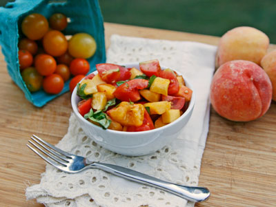 Tomato, Peach and Basil Salad - Sarah's Cucina Bella