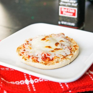Cooking with Kids: English Muffin Pizzas