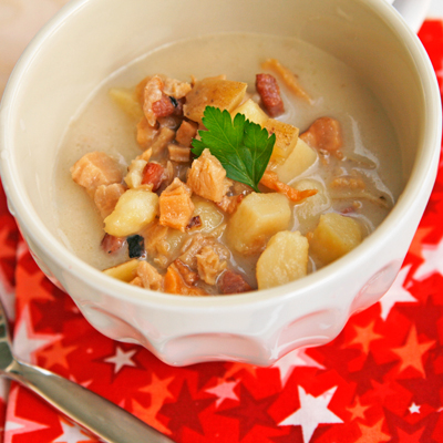 Lighter New England Clam Chowder in a Mug