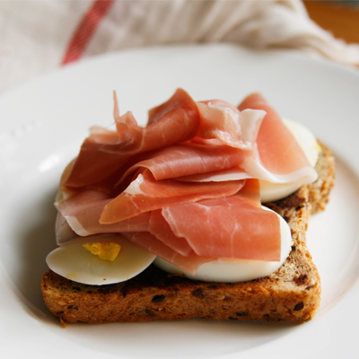 Egg and Prosciutto Open-Faced Sandwich with Tapenade ...