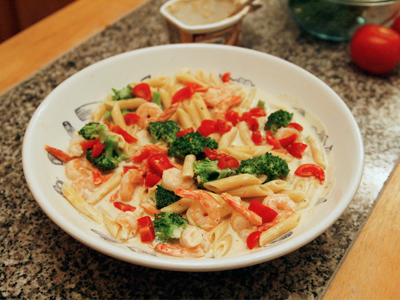 Creamy Penne with Broccoli and Shrimp
