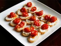 garlic tomato ricotta crostini
