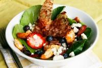 berry gorgonzola salad