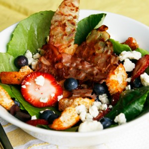 berry gorgonzola salad