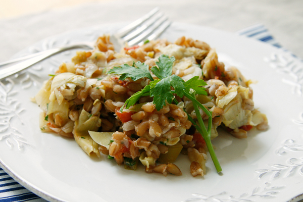 farro with tomatoes, artichokes and leeks