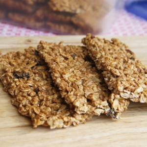 Easy Crispy Fruit and Nut Granola Bars