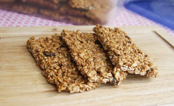 Easy Crispy Fruit and Nut Granola Bars