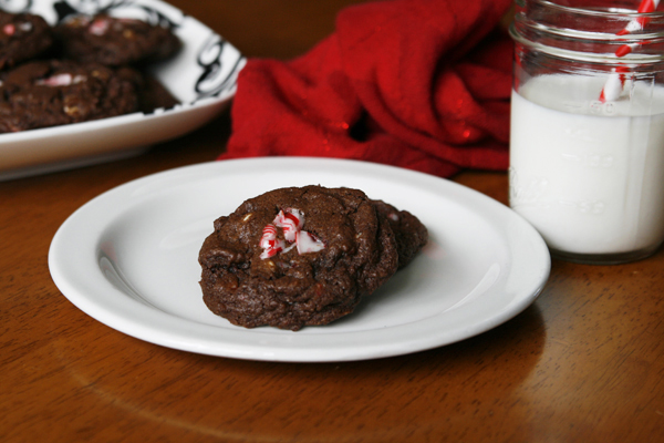 chocolate peppermint bark cookies-3