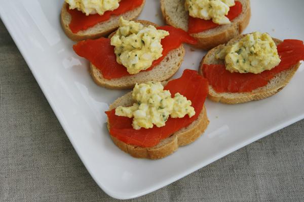 Smoked Salmon and Tarragon Egg Salad Crostini - Sarah's ...