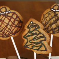 Chocolate Peanut Butter Holiday Cookie Pops