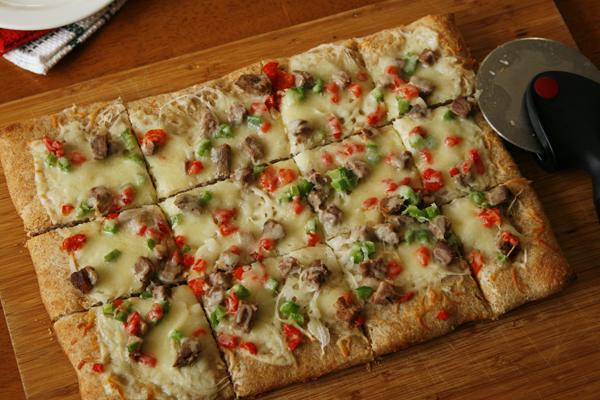 steak onion pepper pizza-scb3
