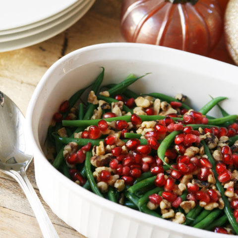 Green Beans with Walnuts and Pomegranate
