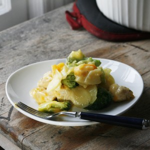 Cheesy Chicken, Broccoli and Potatoes Au Gratin Casserole