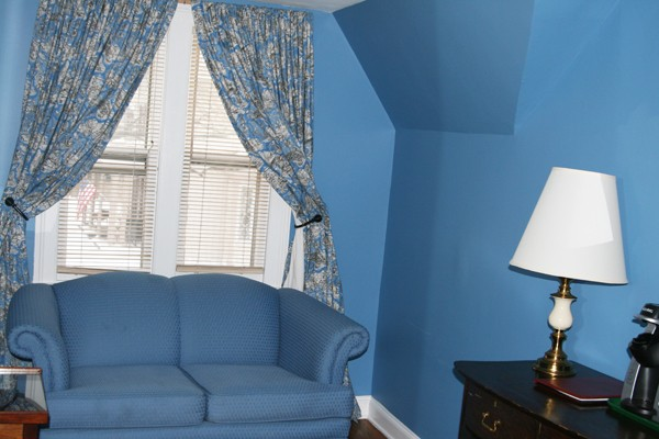 Beekman Arms Room Sitting Area