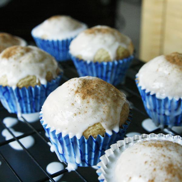 Iced Cinnamon Roll Cupcakes