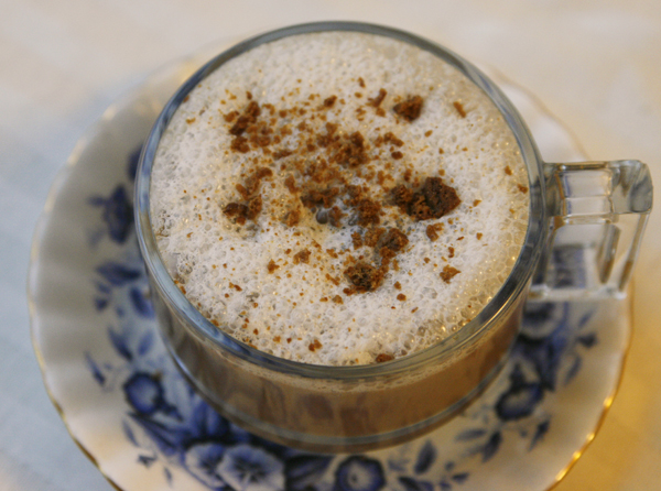 Frothy Cookie Latte with Ginger Snap Topping