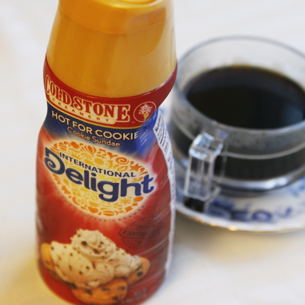 International Delight Hot for Cookie Creamer