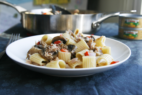Mediterranean Tuna Pasta (and a Giveaway!)