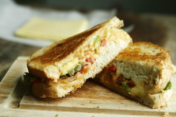 Spicy Fajita Grilled Cheese Recipe