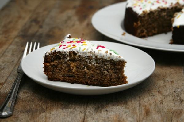 Easy banana cake sarahs cucina bella banana cake recipe forumfinder Gallery