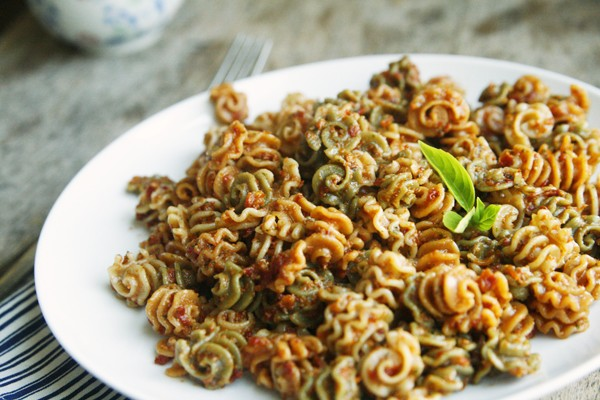 Sundried Tomato Pesto Pasta Recipe