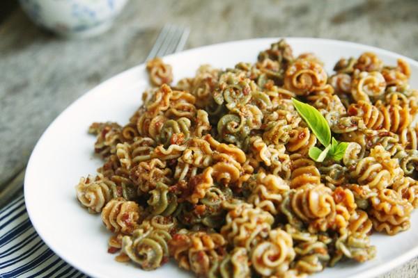 Sundried Tomato Pesto Pasta Recipe