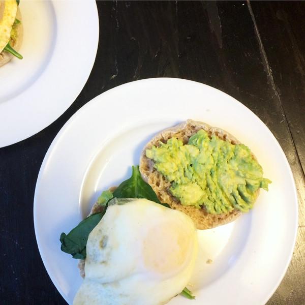 recipe for Avocado Egg Spinach Muffin Sandwiches