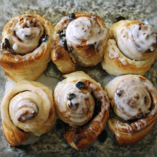 Easy Puff Pastry Cinnamon Rolls