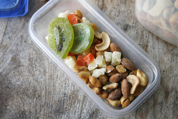 How to Make Your Own Trail Mix for Summer
