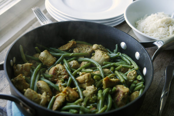 Recipe Garlicky Chicken and Green Bean Skillet