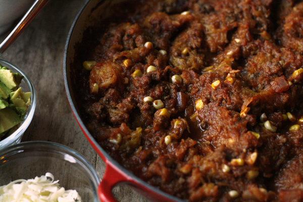 chili-spaghetti-squash-toppings-recipe