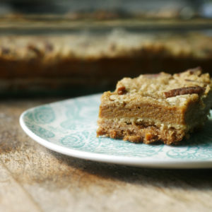 layered-pumpkin-pie-bars