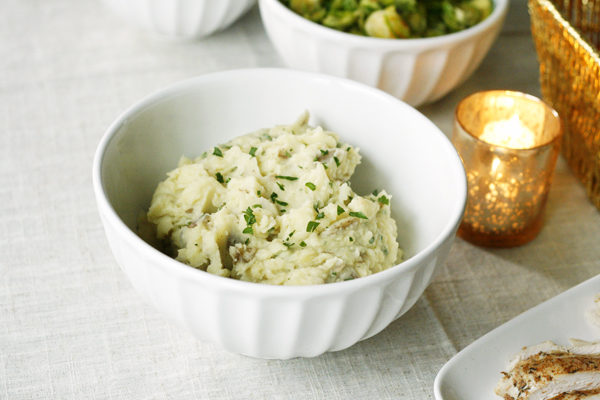 Roasted Garlic Mashed Potatoes with Parsley