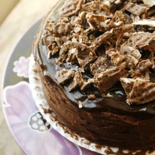 chocolate-overload-cake-top