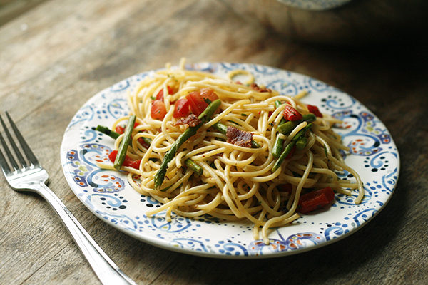 Asparagus, Roasted Red Pepper and Bacon Spaghetti