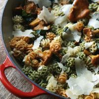 Garlicky Chanterelle Mushroom Pasta