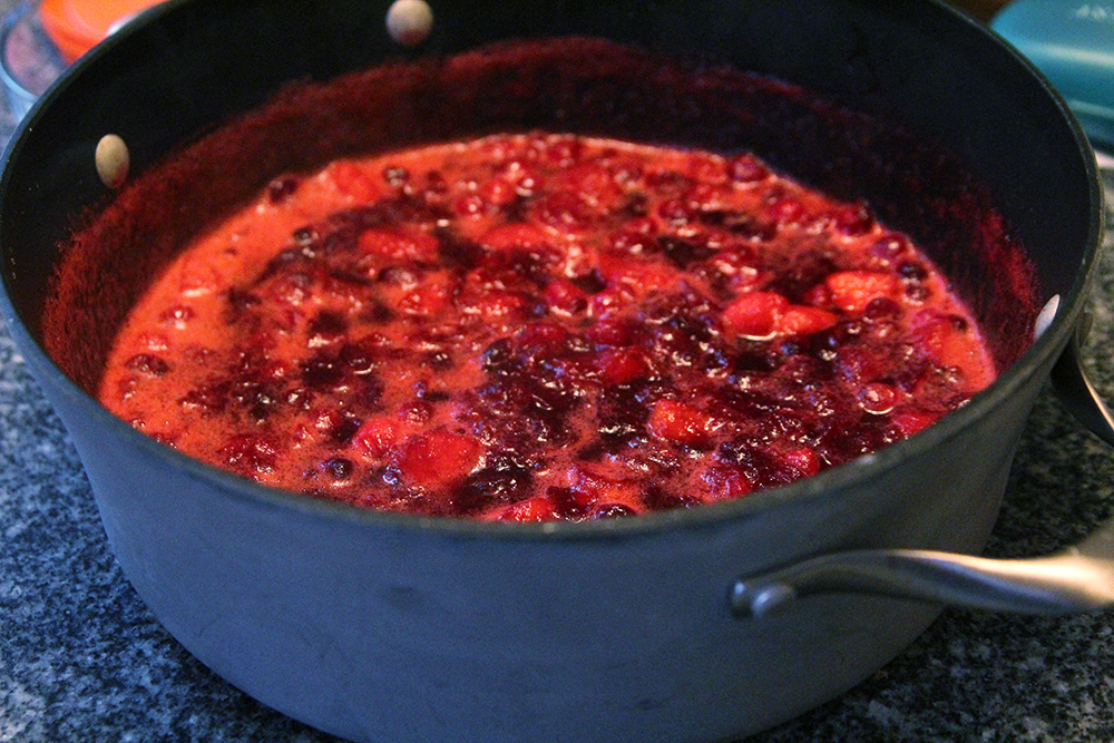 Homemade Cranberry Sauce with Apples and Cinnamon | Sarah's