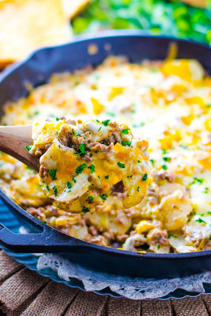 Easy Ground Beef and Potatoes Skillet