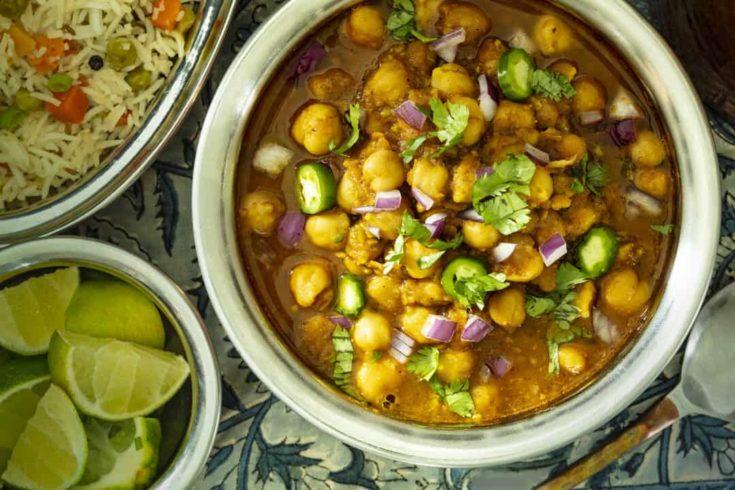 Super Easy Restaurant-Style Slow Cooker Chana Masala